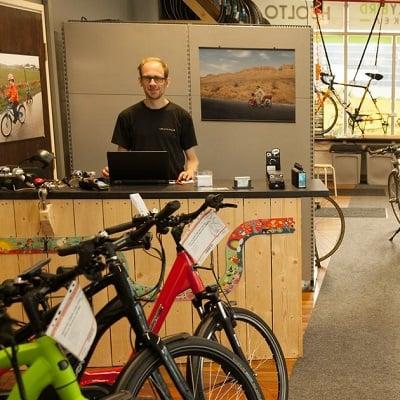Pyöräkauppa neuvonta, bikestore advice