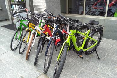 Pyörät ja sähköpyörät, bicycles